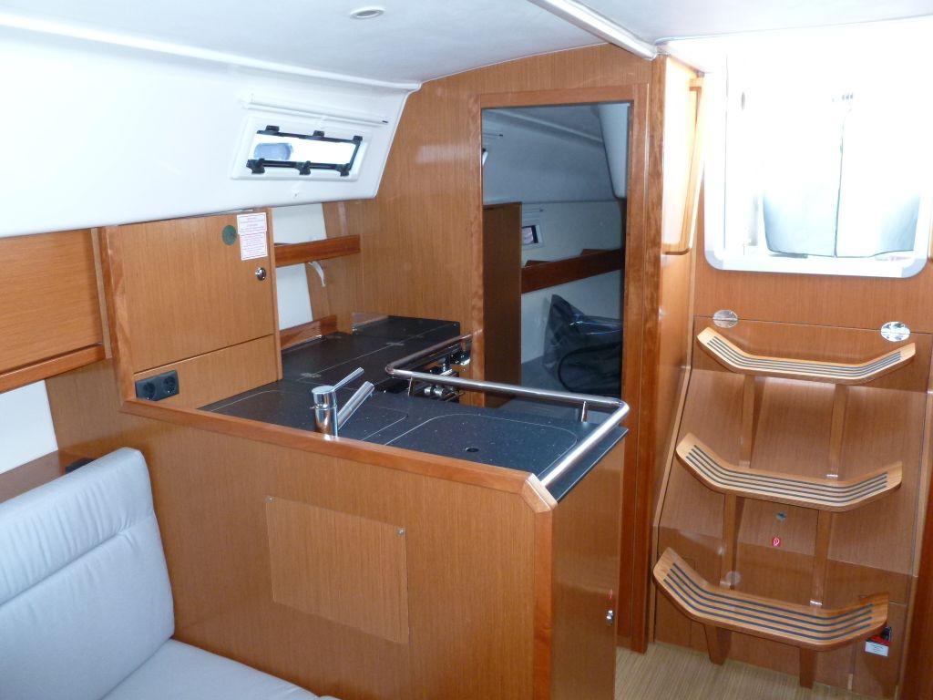 Navalia - Imbarcazione Bavaria 32 Cruiser 6