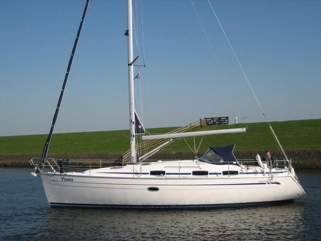 Navalia - Imbarcazione Bavaria 37 1