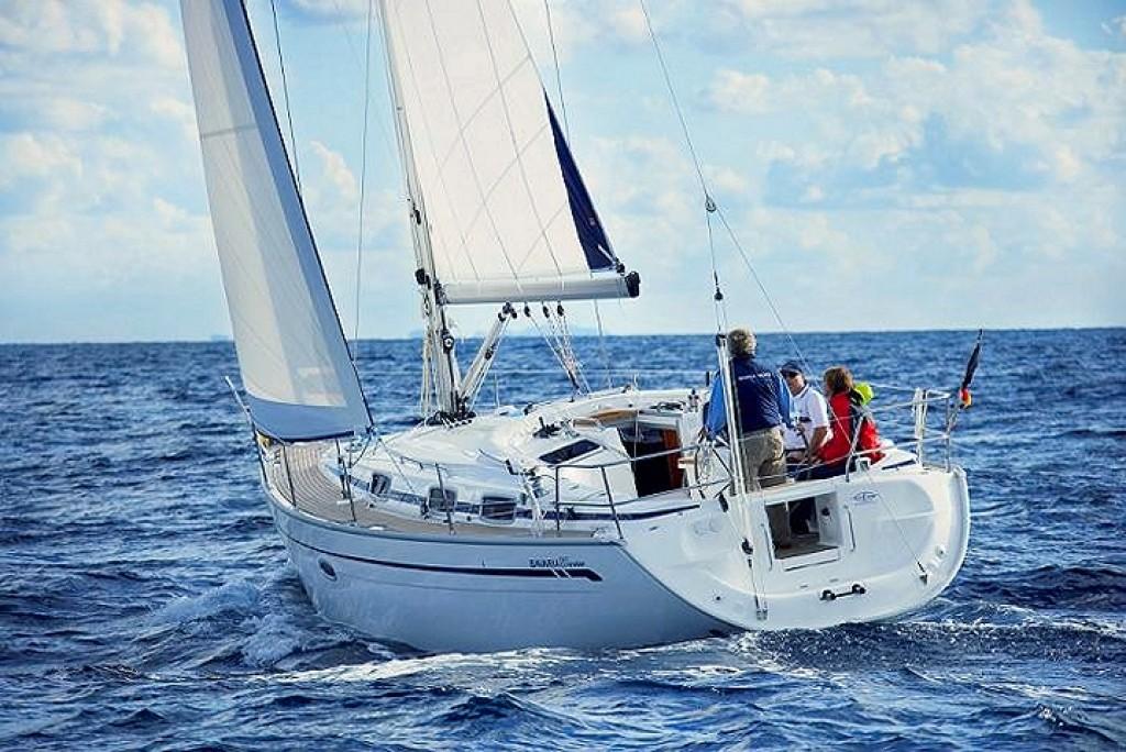 Navalia - Imbarcazione Bavaria 37 Cruiser 1