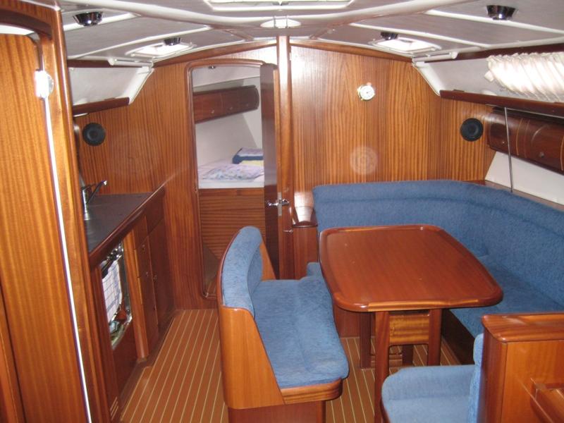 Navalia - Imbarcazione Bavaria 38 4