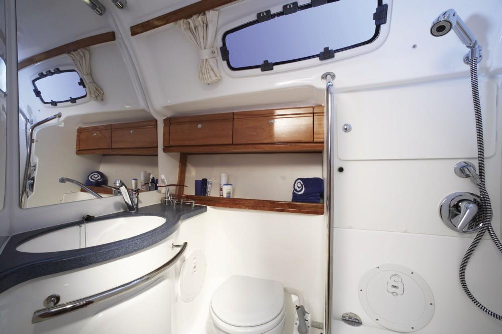 Navalia - Imbarcazione Bavaria 42 Cruiser 9