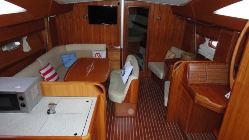 Navalia - Imbarcazione Bavaria 44 Vision 5