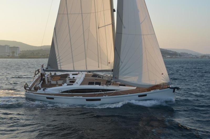 Navalia - Imbarcazione Bavaria 46 Vision 3