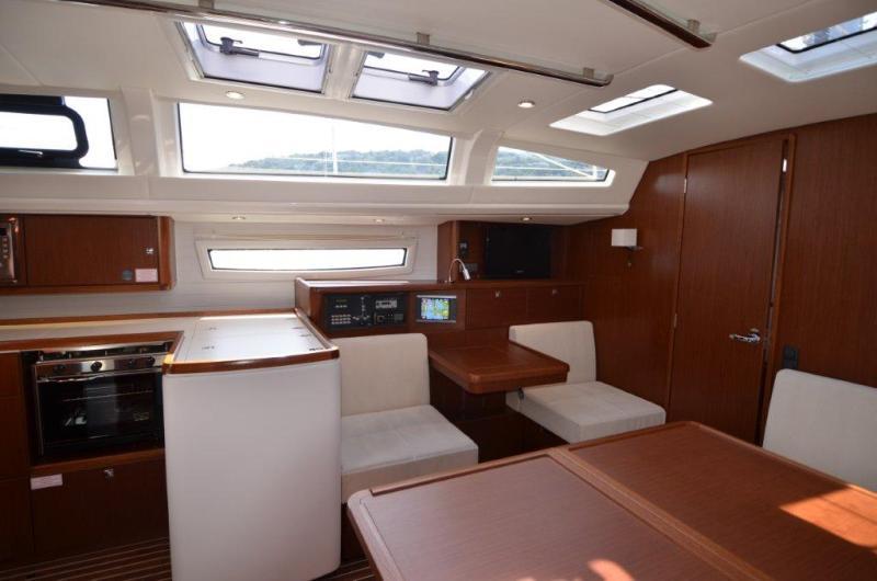 Navalia - Imbarcazione Bavaria 46 Vision 7