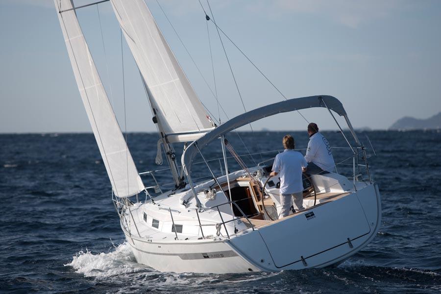 Navalia - Imbarcazione Bavaria Cruiser 32 3