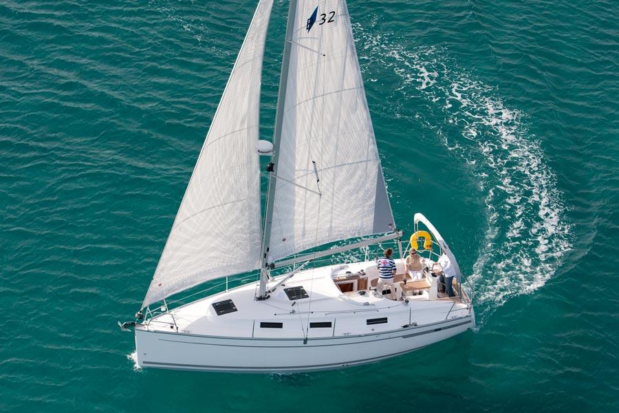 Navalia - Imbarcazione Bavaria Cruiser 32 4