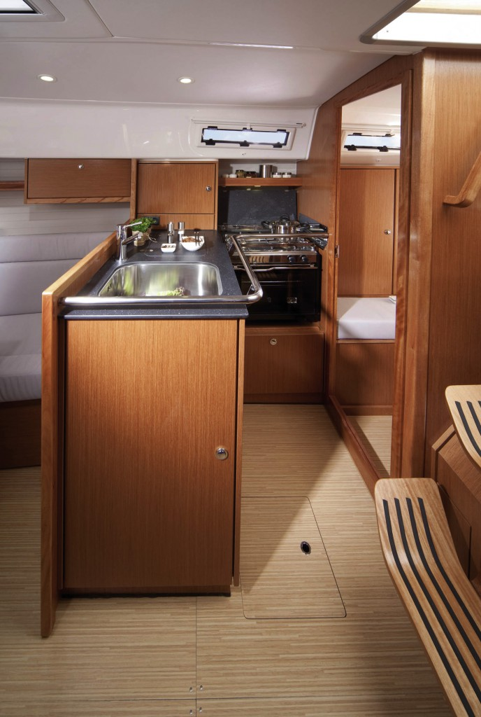 Navalia - Imbarcazione Bavaria Cruiser 32 6