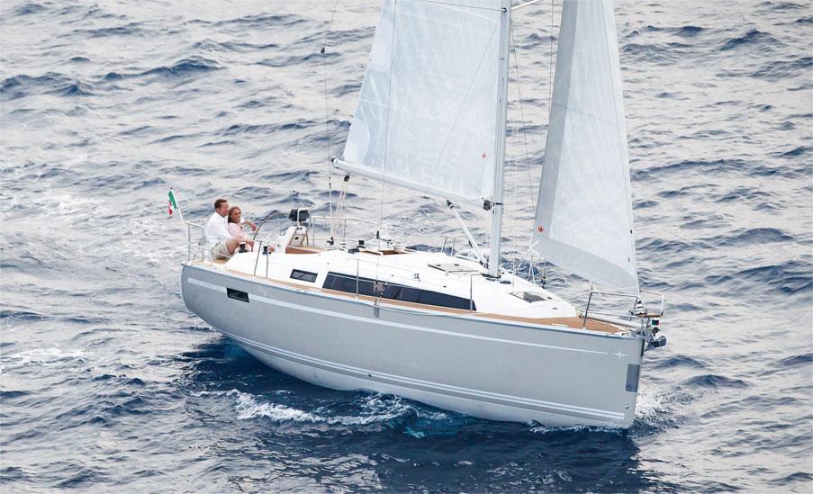 Navalia - Imbarcazione Bavaria Cruiser 33 1
