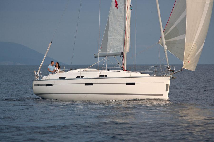 Navalia - Imbarcazione Bavaria Cruiser 36 3