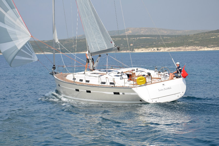 Navalia - Imbarcazione Bavaria Cruiser 50 1