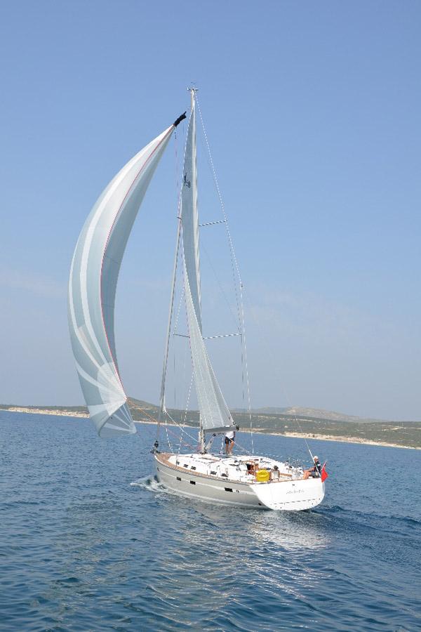 Navalia - Imbarcazione Bavaria Cruiser 50 2