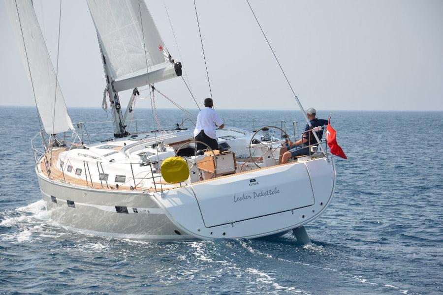 Navalia - Imbarcazione Bavaria Cruiser 50 3
