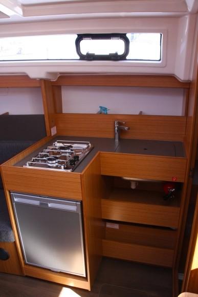 Navalia - Imbarcazione Bavaria Easy 9.7 8