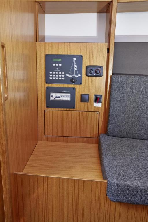 Navalia - Imbarcazione Bavaria Easy 9.7 9