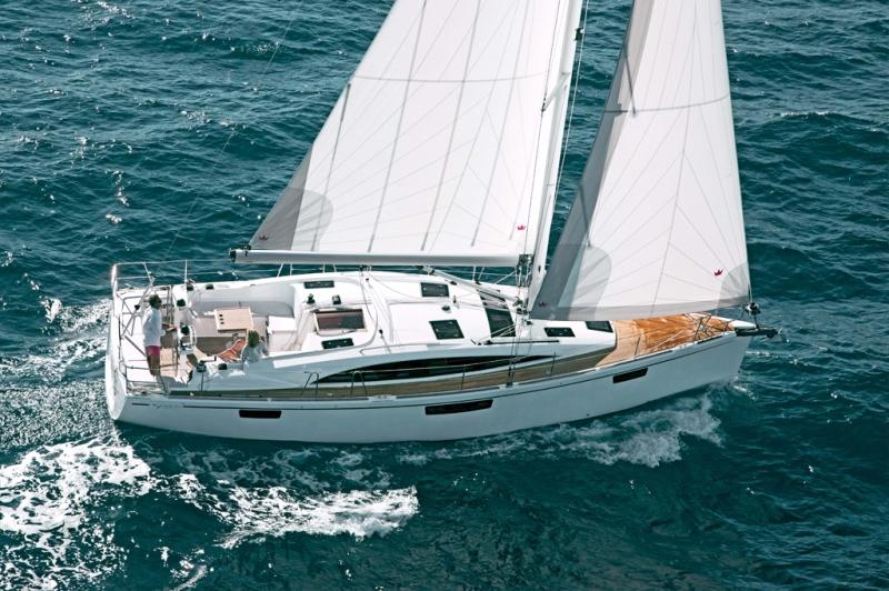 Navalia - Imbarcazione Bavaria Vision 42 1