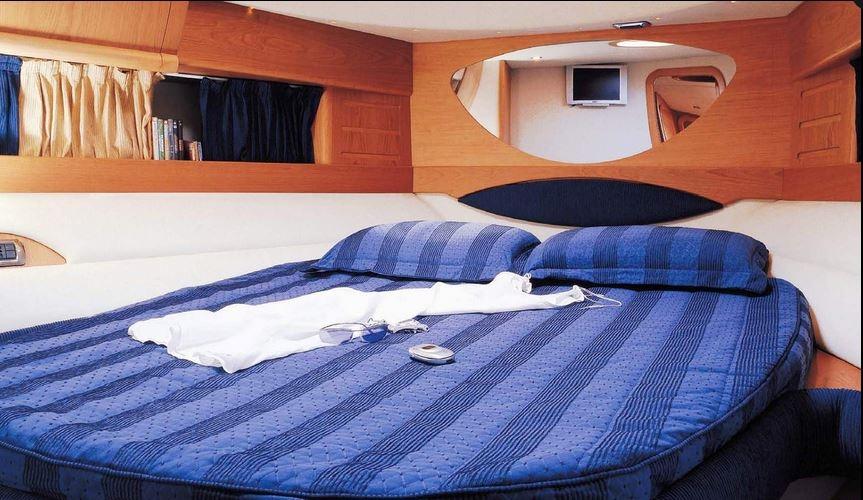 Navalia - Imbarcazione Blu Martin 46 Hard Top 9