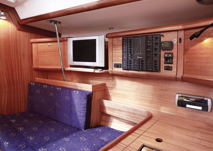 Navalia - Imbarcazione Delphia 40 8