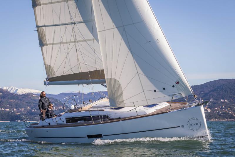 Navalia - Imbarcazione Dufour 310 4