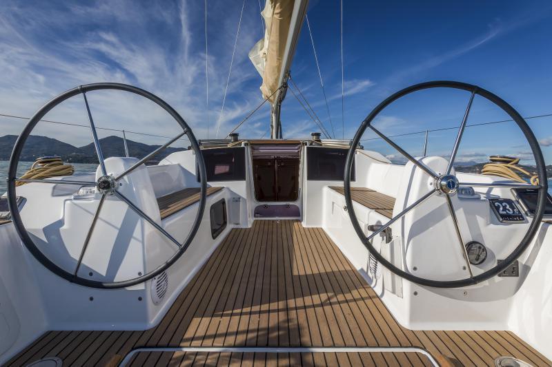 Navalia - Imbarcazione Dufour 310 6