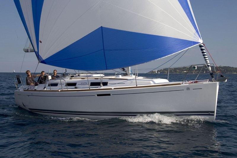 Navalia - Imbarcazione Dufour 325 1