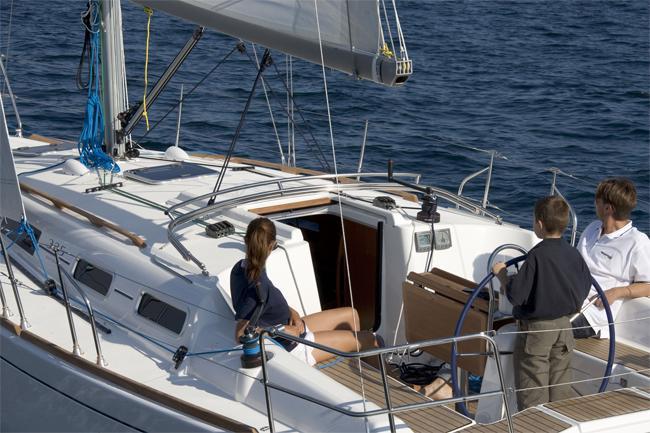 Navalia - Imbarcazione Dufour 325 3
