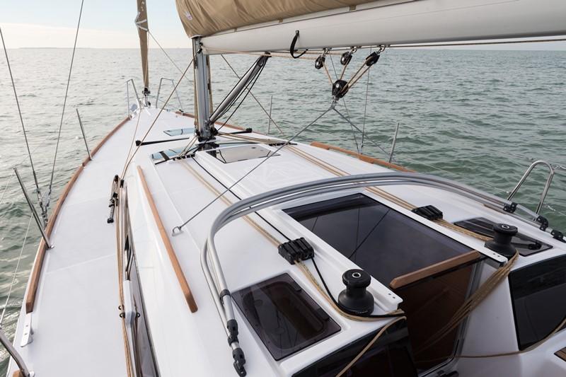 Navalia - Imbarcazione Dufour 350 GL 5