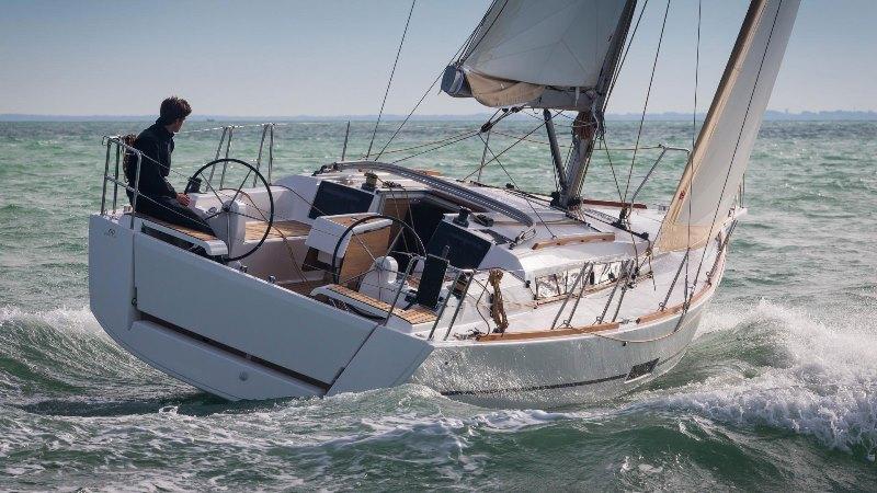 Navalia - Imbarcazione Dufour 350 3