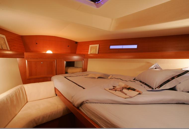 Navalia - Imbarcazione Dufour 365 9