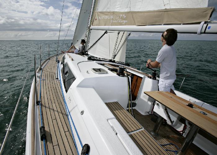 Navalia - Imbarcazione Dufour 375 GL 4