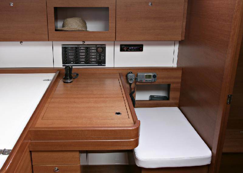 Navalia - Imbarcazione Dufour 380 GL 10