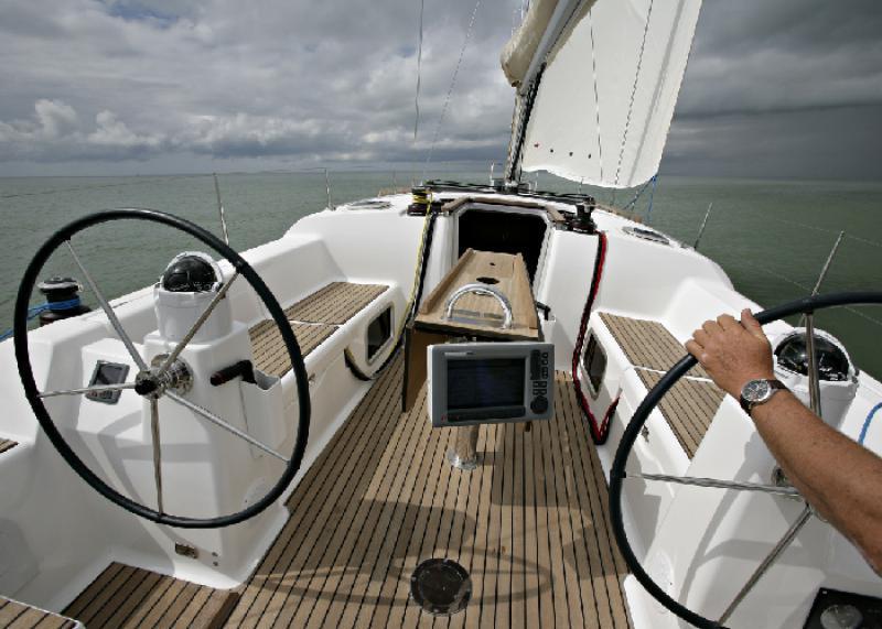 Navalia - Imbarcazione Dufour 380 GL 5
