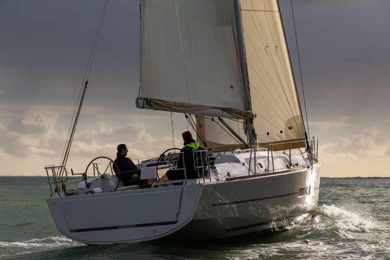 Navalia - Imbarcazione Dufour 382 GL 5