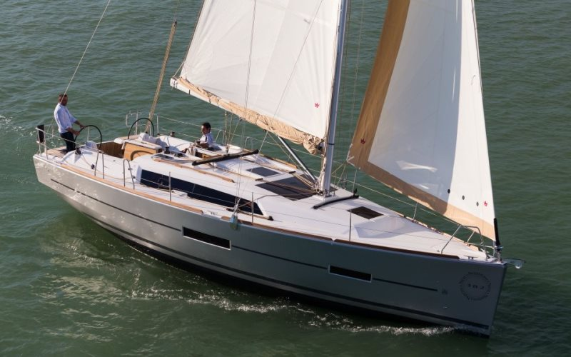 Navalia - Imbarcazione Dufour 382 1