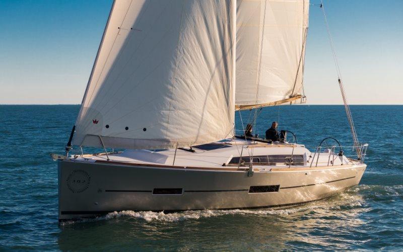 Navalia - Imbarcazione Dufour 382 2