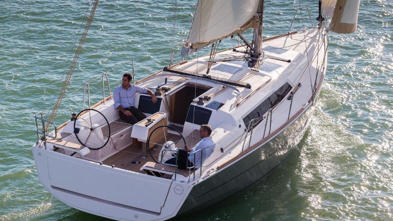Navalia - Imbarcazione Dufour 382 5