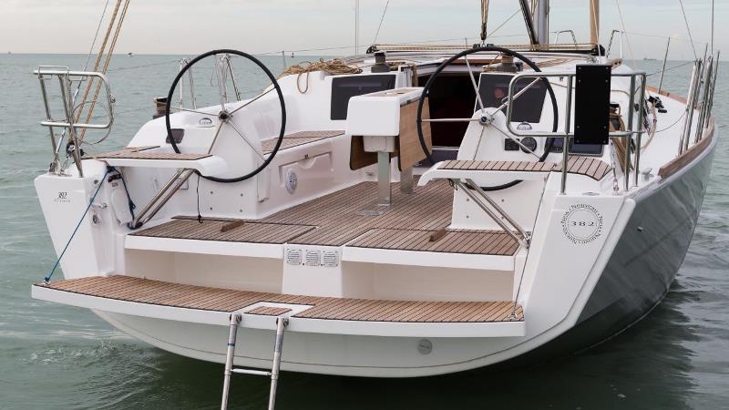 Navalia - Imbarcazione Dufour 382 6