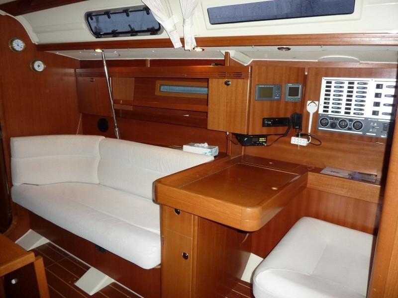 Navalia - Imbarcazione Dufour 40 7