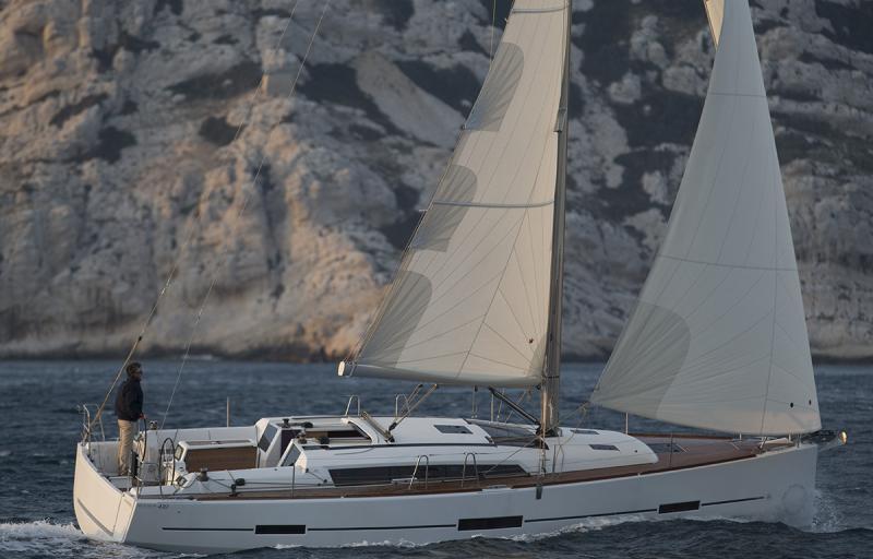 Navalia - Imbarcazione Dufour 410 2