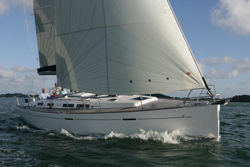 Navalia - Imbarcazione Dufour 425 1