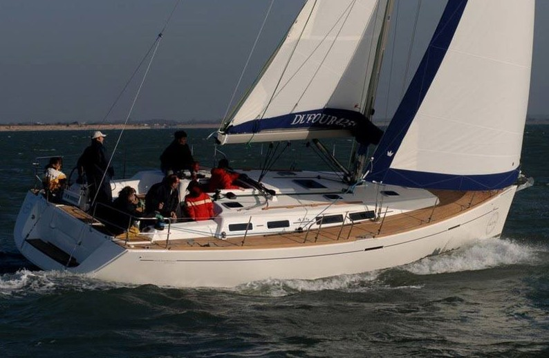 Navalia - Imbarcazione Dufour 425 2