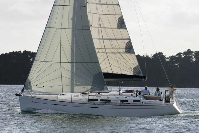 Navalia - Imbarcazione Dufour 425 4