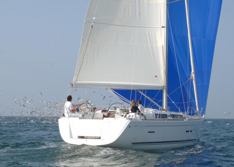 Navalia - Imbarcazione Dufour 445 2
