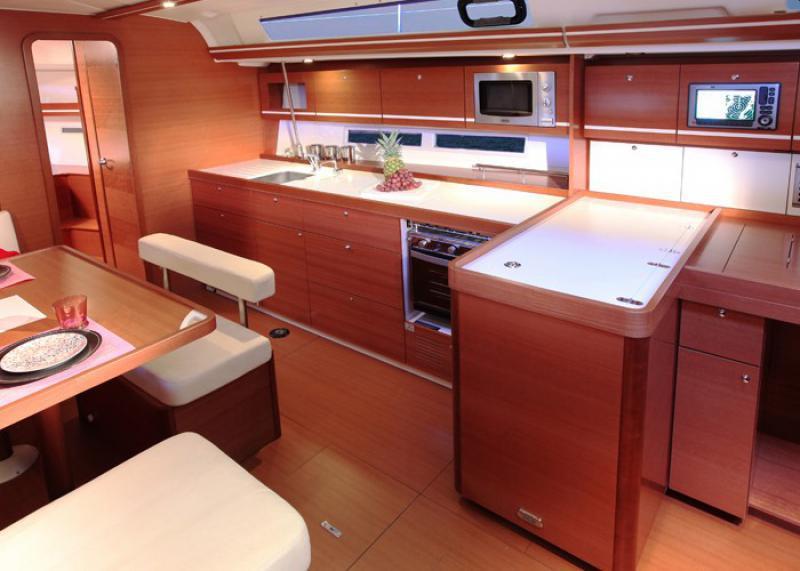 Navalia - Imbarcazione Dufour 450 3