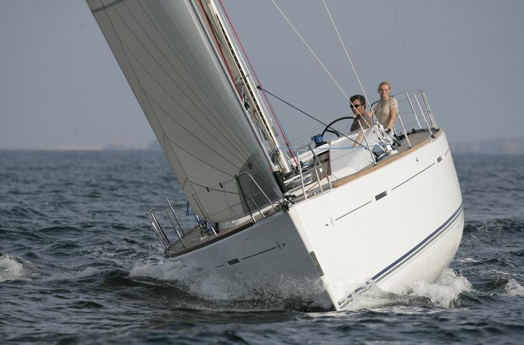 Navalia - Imbarcazione Dufour 45 E 3