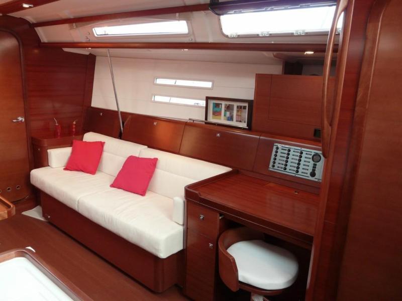 Navalia - Imbarcazione Dufour 45 E 7