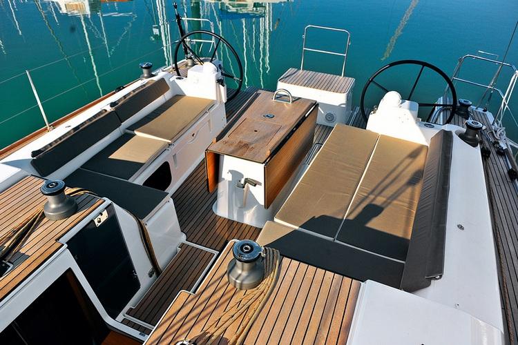 Navalia - Imbarcazione Dufour 500 – 4 cab. e 4 wc 6