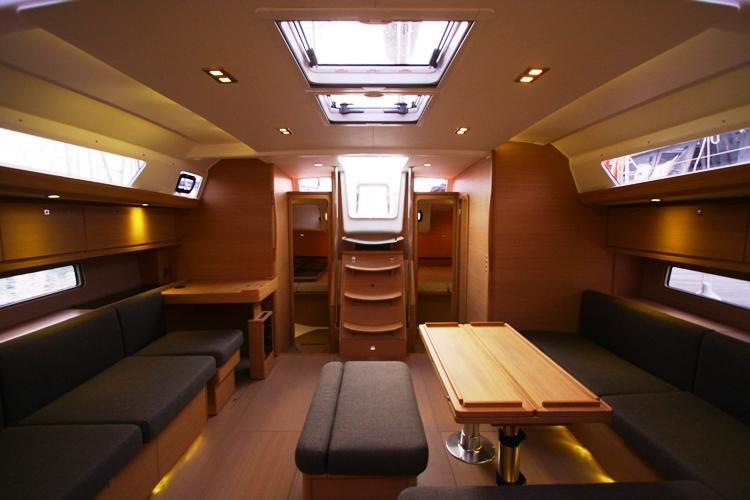 Navalia - Imbarcazione Dufour 500 – 4 cab. e 4 wc 8