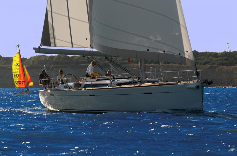 Navalia - Imbarcazione Dufour 525 1