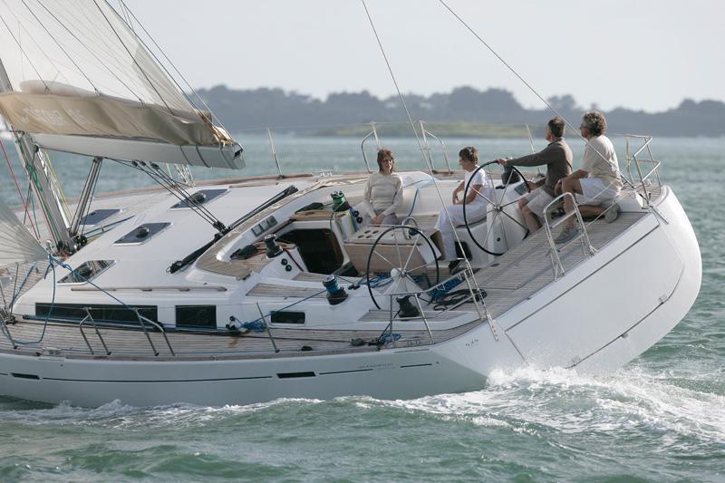 Navalia - Imbarcazione Dufour 525 4