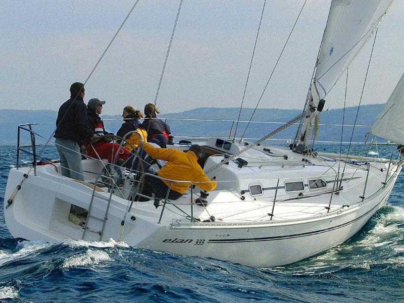 Navalia - Imbarcazione Elan 333 2